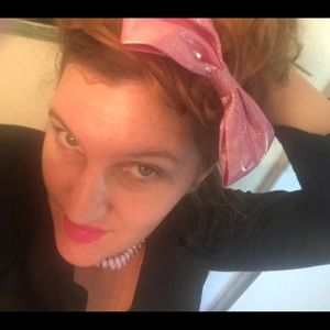 Oversized pink glittery bow: Madonna :80s outfit